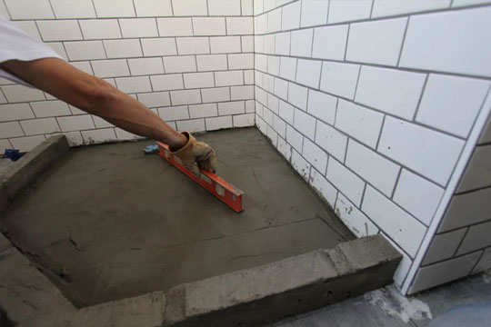 Laying A Screed
